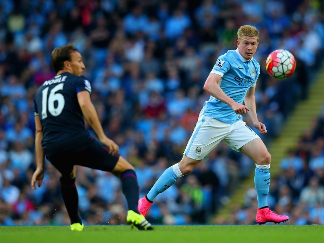 Kevin de Bruyne of Manchester City in action during the Barclays Premier League match between Manchester City and West Ham United at Etihad Stadium on September 19, 2015 in Manchester, United Kingdom.