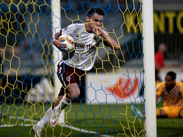 Sparta Prague's David Lafata celebrates after scoring during the UEFA Europa League group K football match between Asteras Tripolis and Sparta Prague in Tripolis, southwestern Greece, on September 17, 2015
