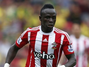 Southampton's Senegalese midfielder Sadio Mane runs with the ball during the English Premier League football match between Southampton and Norwich City at St Mary's Stadium in Southampton, southern England on August 30, 2015.