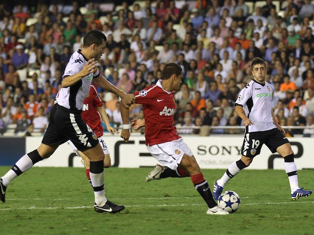 Javier Hernandez of Manchester United scores the opening goal during the UEFA Champions League Group C match between Valencia and Manchester United at the Mestalla Stadium on September 29, 2010 in Valencia, Spain.