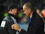 Tony Pulis manager of West Bromwich Albion (L) and Roberto Martinez manager of Everton shake hands prior to the Barclays Premier League match between West Bromwich Albion and Everton on September 28, 2015 in West Bromwich, United Kingdom.