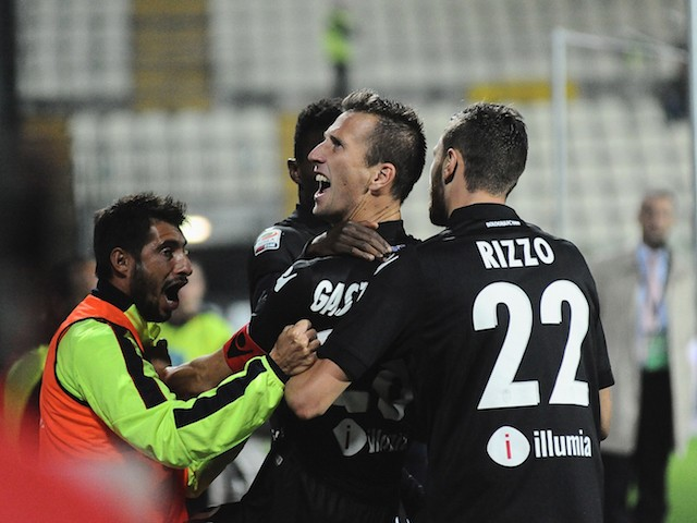 Daniele Gastaldello # 28 of Bologna FC celebrates after scoring a goal during the Serie A match between Carpi FC and Bologna FC at Alberto Braglia Stadium on October 24, 2015 in Modena, Italy.