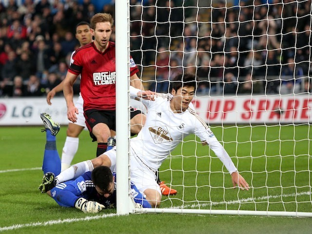Ki Sung-yueng scores for Swansea against West Brom on December 26, 2015