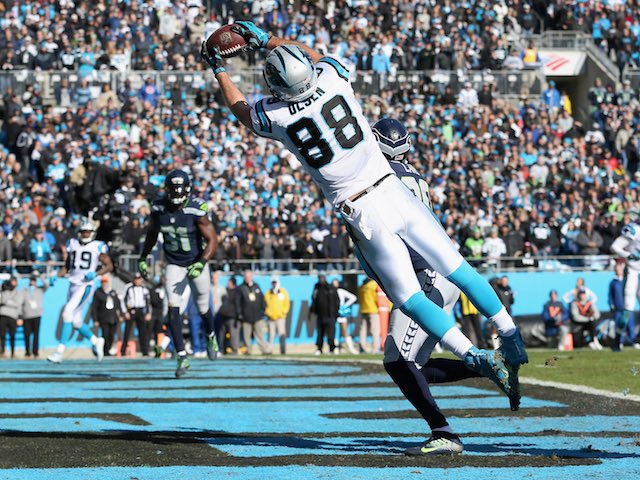 Greg Olsen makes a touchdown reception during the game between Seattle Seahawks and Carolina Panthers on January 17, 2016