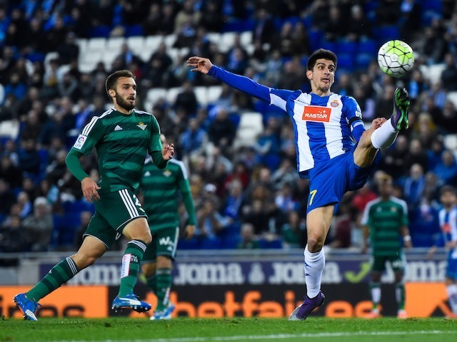 German Pezzella and Gerard Moreno in actione during the La Liga game between Espanyol and Real Betis on March 3, 2016