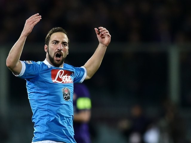 Gonzalo Higuain celebrates scoring during the Serie A game between Fiorentina and Napoli on February 29, 2016