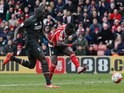 Sadio Mane scores the winner during the Premier League game between Southampton and Liverpool on March 20, 2016