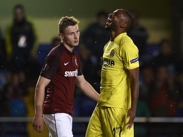Cedric Bakambu is violated during the Europa League quarter-final between Villarreal and Sparta Prague on April 7, 2016