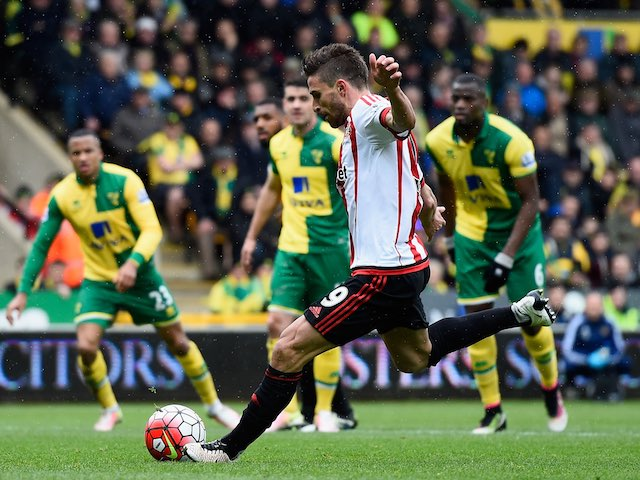 Fabio Borini scores from the penalty spot during the Premier League game between Norwich City and Sunderland on April 16, 2016