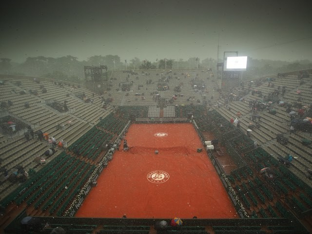 Torrential rain hits the French Open on May 28, 2016