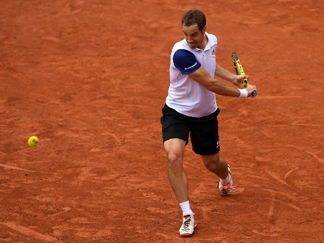 Richard Gasquet in action during his French Open meeting with Kei Nishikori in Paris on May 29, 2016