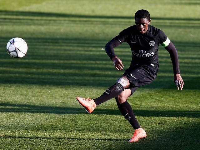 Mamadou Doucoure in action during the UEFA Youth League quarter-final match between Paris Saint Germain and AS Roma on March 9, 2016