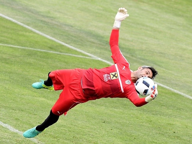 Austria's goalkeeper Ramazan Oezcan attends a training session during the Euro 2016 football tournament on June 15, 2016