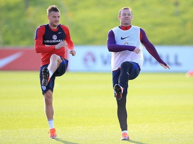 Jamie Vardy and Wayne Rooney in action during England training on October 4, 2016