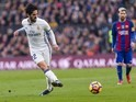 Isco in action during the La Liga game between Barcelona and Real Madrid on December 3, 2016