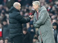 Arsene Wenger argues with Anthony Taylor during the Premier League game between Arsenal and Burnley on January 22, 2017