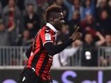 Nice's Mario Balotelli celebrates scoring against Paris Saint-Germain on April 30, 2017