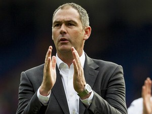 Paul Clement applauds during the Premier League game between Crystal Palace and Swansea City on August 26, 2017